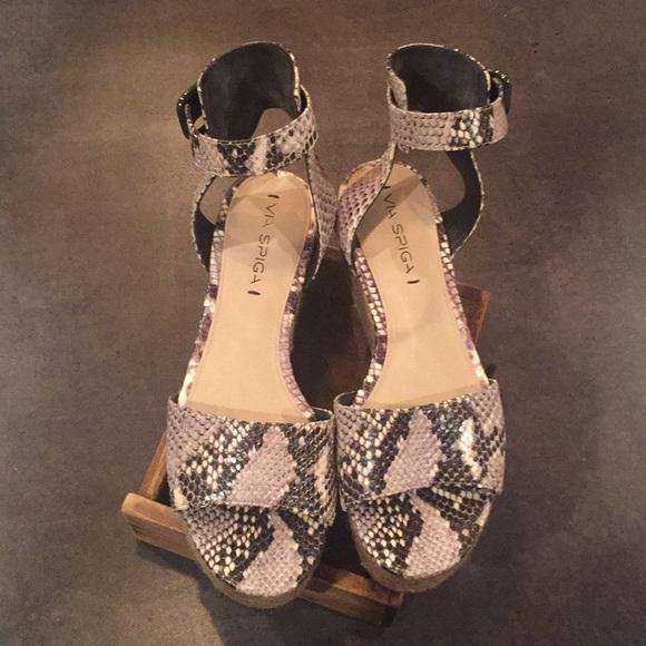 964fc29e3549 Via Spiga Snake Skin Platform Sandals. M 5a56875bf9e501317c01d4cb